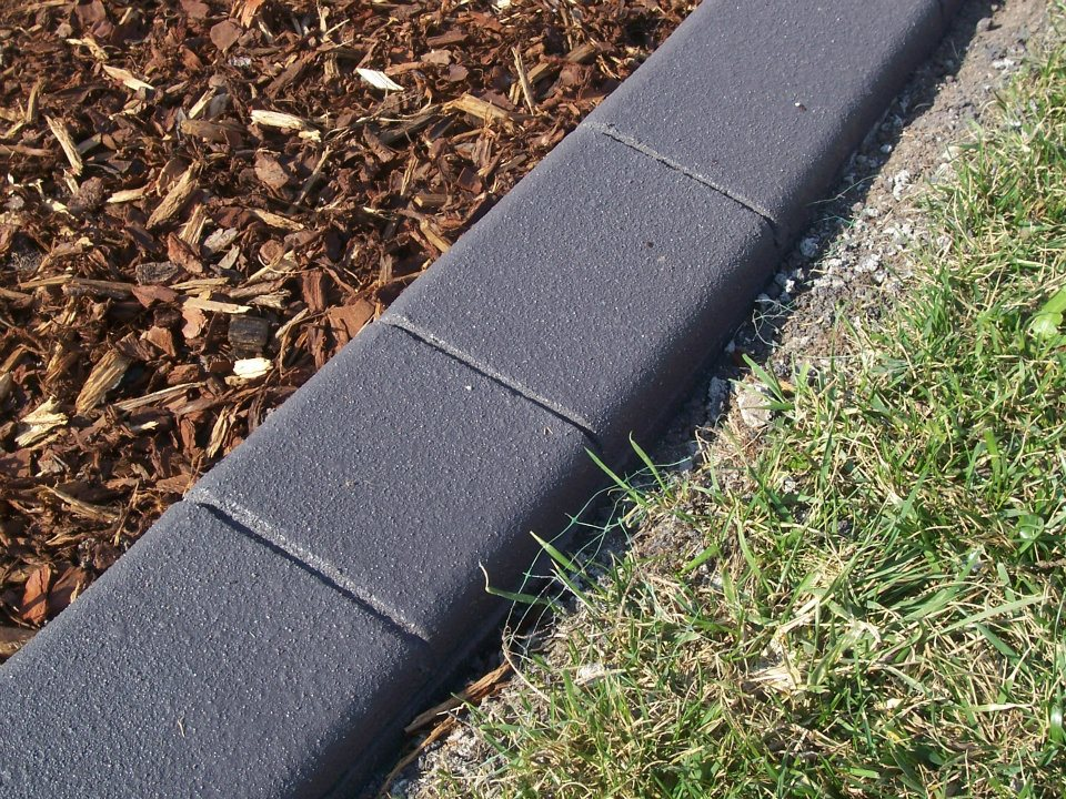 Landscape Edging in Black