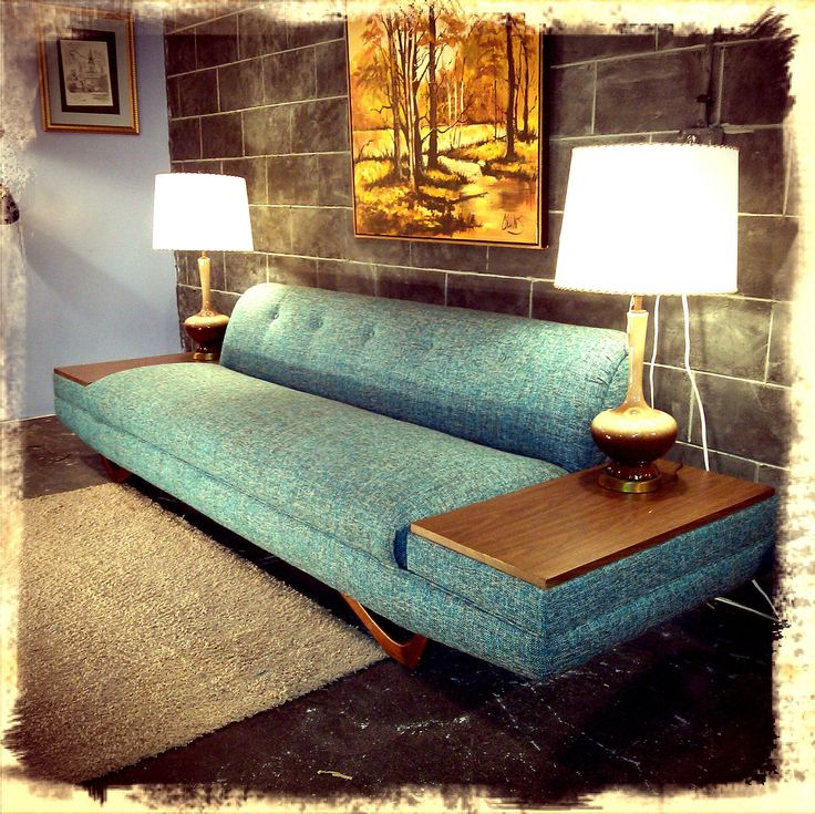 Retro Sofa in wilson North Carolina