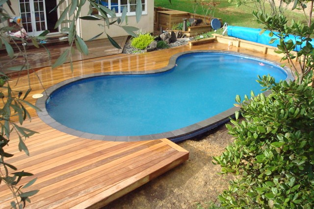 color of above ground pools with decks