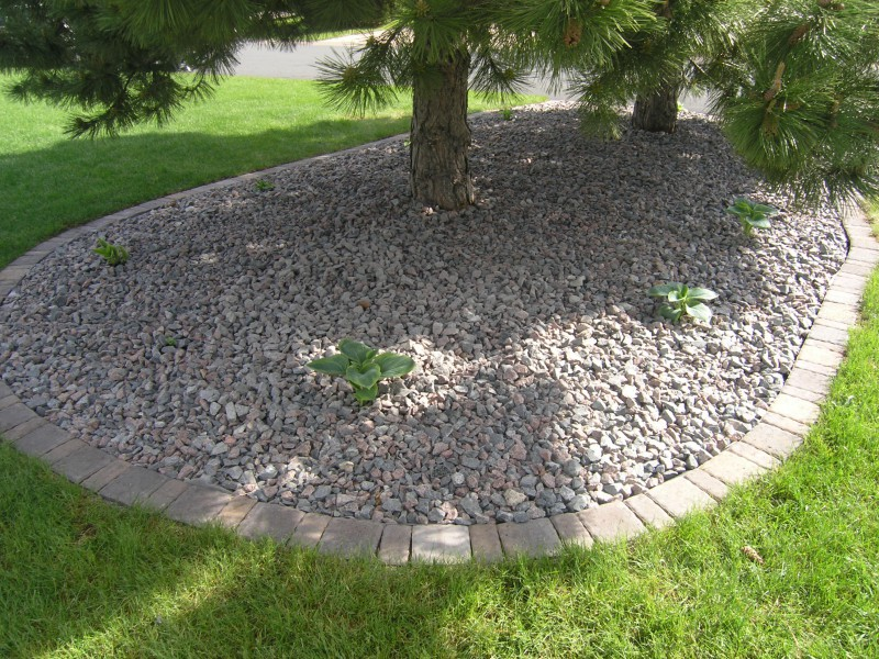 In general, these elements are implemented in the walls of the park and the outskirts of the park. Or if there is a pond or landscape edging and walkways in your park, the hard elements can also decorate around the pond and along the side of the path.