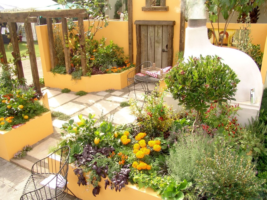 Mediterranean Garden Design Ideas