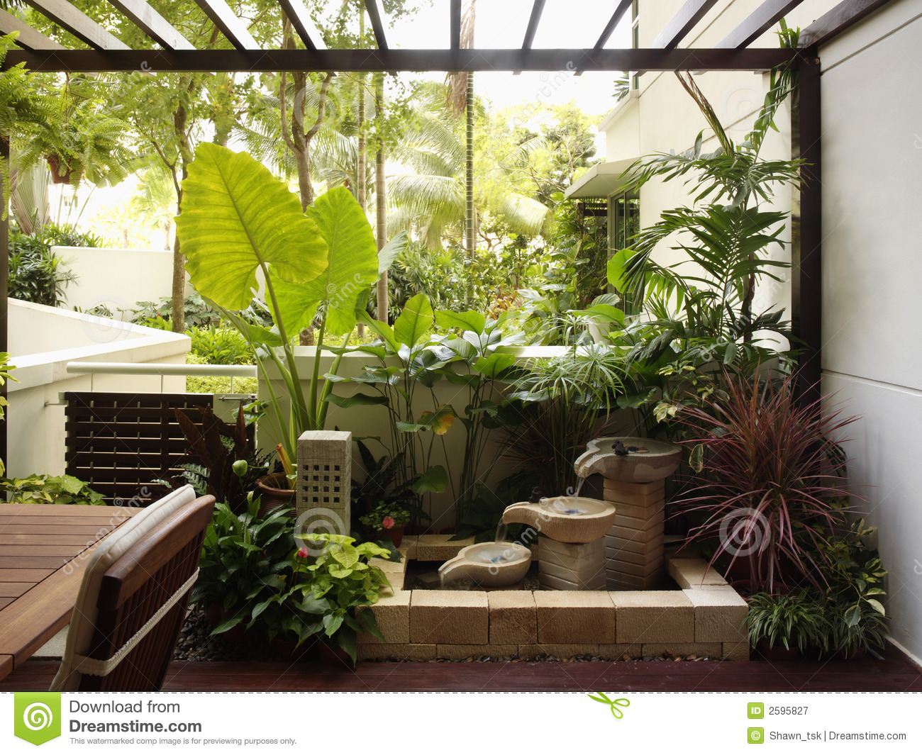 Add cheer to the inside with interior landscaping wilson for Indoor garden design